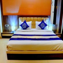 OYO 3233 Hotel Royal Galaxy in Gangaghat
