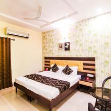 OYO 4939 Hotel Highway Inn in Banarsi
