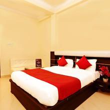 OYO 4998 Sara Residency in Allahabad