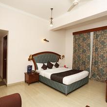 OYO 8178 Hotel Saket in Allahabad