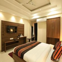 OYO 8650 Hotel Johri Residency in Bhopal