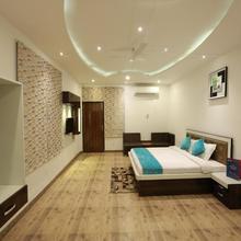 OYO 8837 Hotel Surya Galaxy in Gangaghat