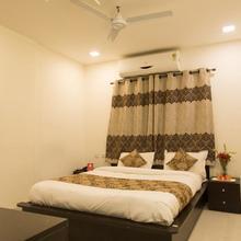 OYO 9023 Dwarka Inn in Davlameti