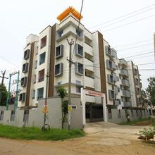 OYO 9763 Red Wood Apartments in Veerapandi