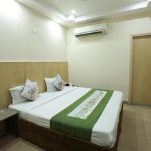 OYO Rooms 80 Feet Road in Gangaghat