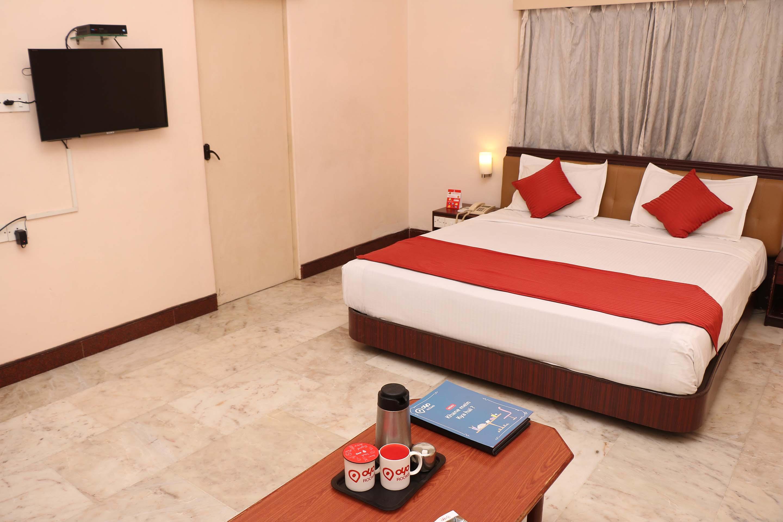 OYO 3376 Hotel LRN Excellency in Ayothiapattinam