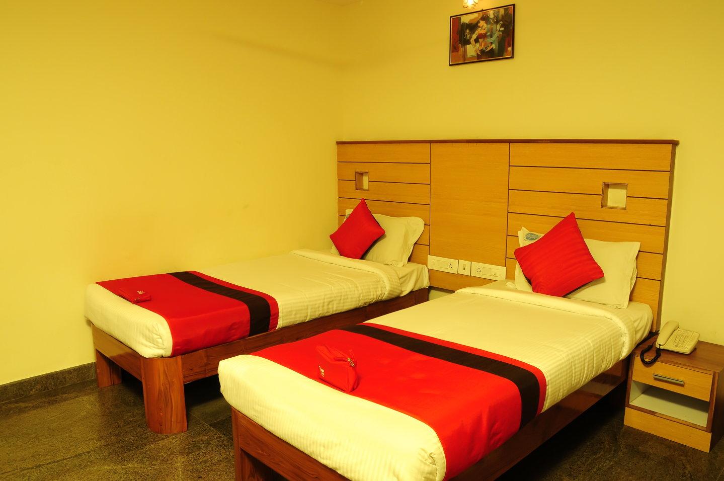 OYO 668 Hotel SLV Grand in Tirupati