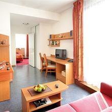 Park & Suites Elégance Lyon Gerland in Orlienas