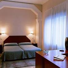 Peninsular Hotel in Cartella