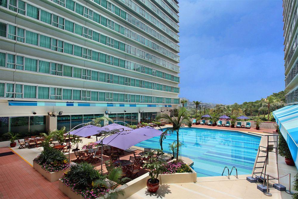 Regal Riverside Hotel in Hong Kong