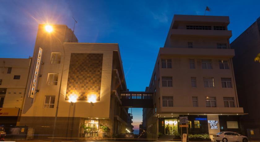 Renuka City Hotel in Dehiwala