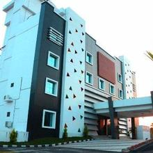 Rose International Hotel in Kakkadampoyil