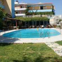 Roxani Hotel in Foinikia