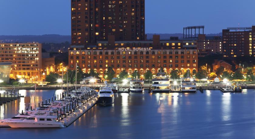 Royal Sonesta Harbor Court Baltimore in Baltimore