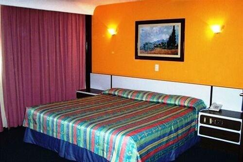 Segovia Regency Hotel in Mexico City