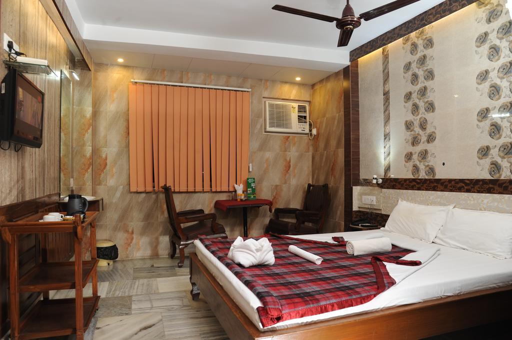 Sonar Bangla Motel Midway,Dhulagori in Dakshin Jhapardaha
