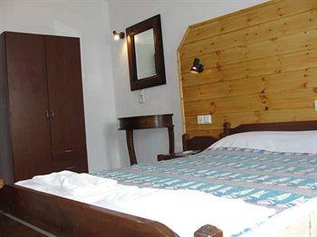 Spiros-Soula Family Hotel & Apartments in Foinikia