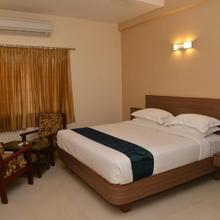 Sri Balaji Hotels in Devanangurichi