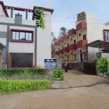Sri Silver Inn in Ayothiapattinam