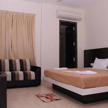 Sri Valli Vilas Residency in Nellikuppam