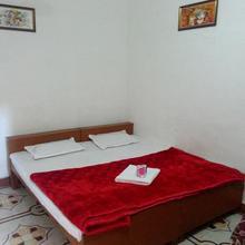 Temple View Guest House in Barua Sagar