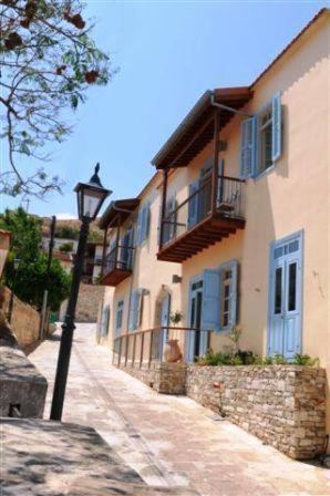 The Library Hotel Wellness Retreat in Pyrgos