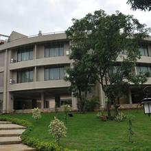 The Silverador Resort Club in Gokhivare