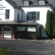 The White House Hotel in Kinnersley
