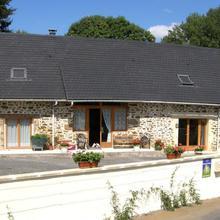 Vieille Grange Chambres D'hôtes in Estivaux
