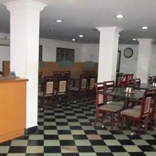 VIJAISURYA HOTEL in Nellikuppam