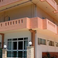 Volanakis Apartments in Foinikia