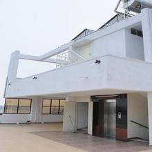 White Villa in Vishakhapatnam