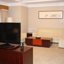 Yantai Financial Hotel in Yujiatan