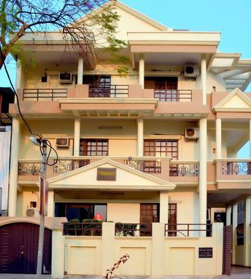 OYO 3523 Tekarees Inn Mahanagar