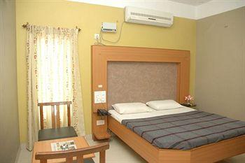 Hotel Parvathi International