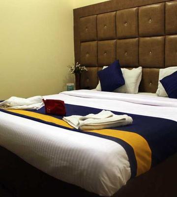 OYO 526 Hotel Mayesha Inn