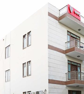 Oyo Flagship 477 Huda City Centre