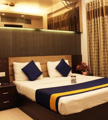OYO 487 Rajendra Place