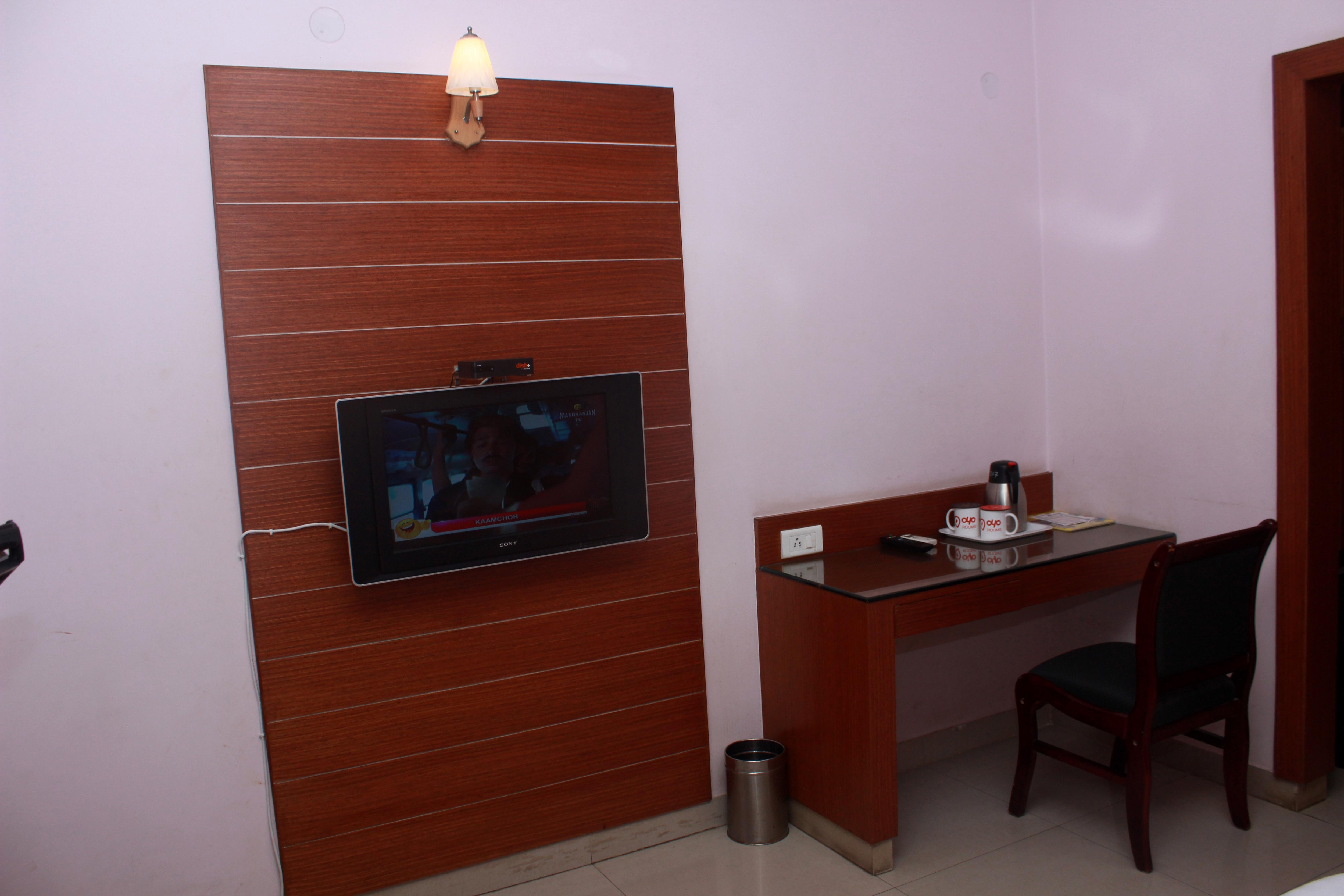 OYO Premium 031 Mysore Railway Station