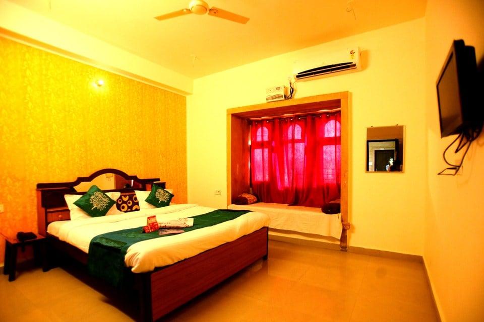 OYO 2280 Hotel Marina Mahal