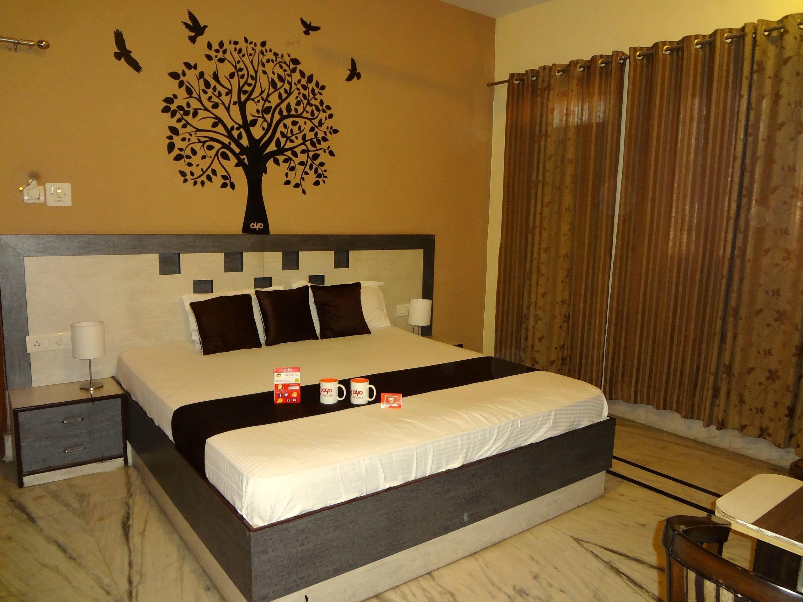 OYO 1379 Hotel Hkj International