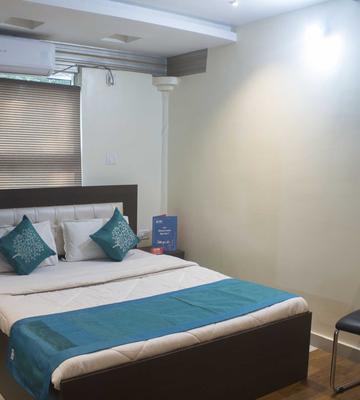 OYO 3512 Hotel Crystal Residency