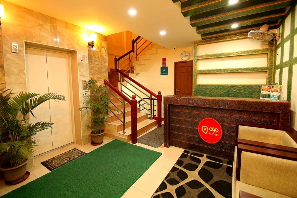 OYO 1400 Cochin Metro