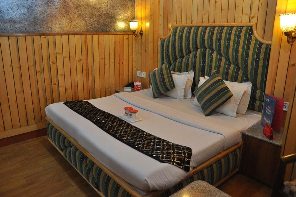 OYO 2400 Hotel Chaman Palace
