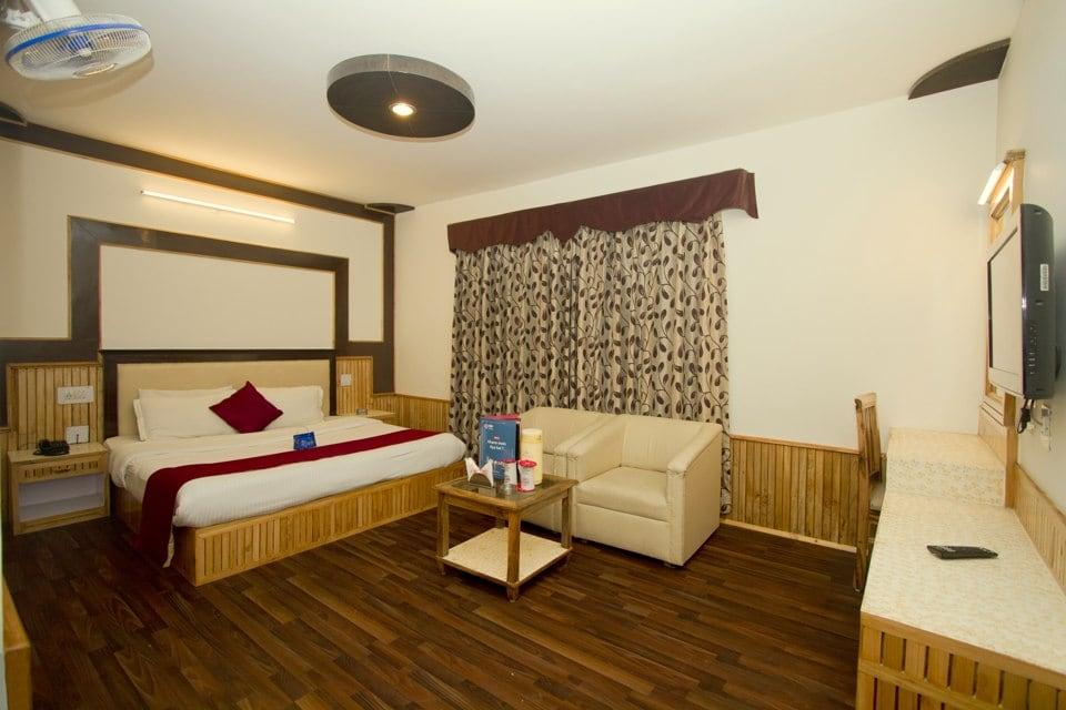 OYO 1645 Hotel Himgiri