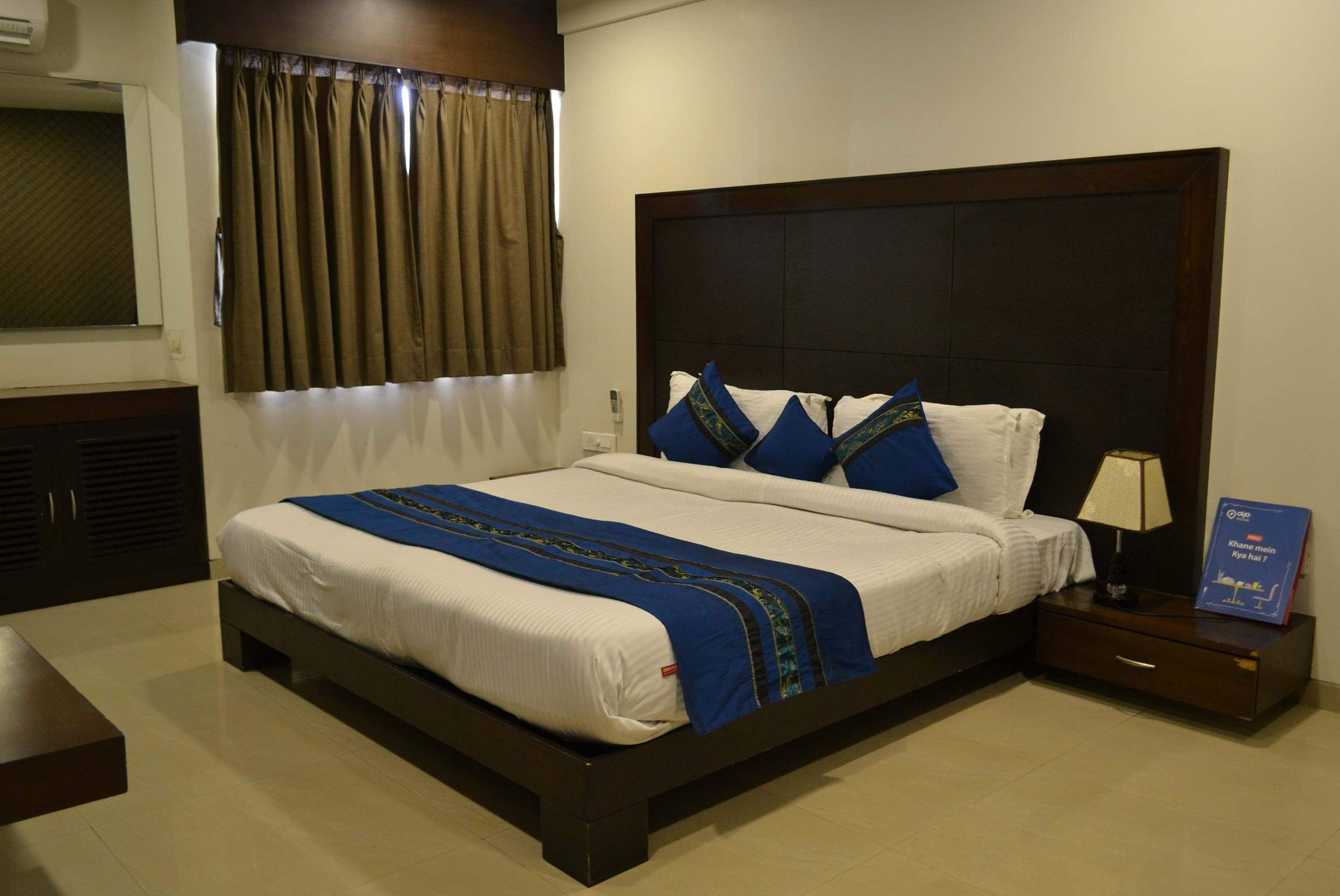 OYO 2098 Hotel Jalsagar