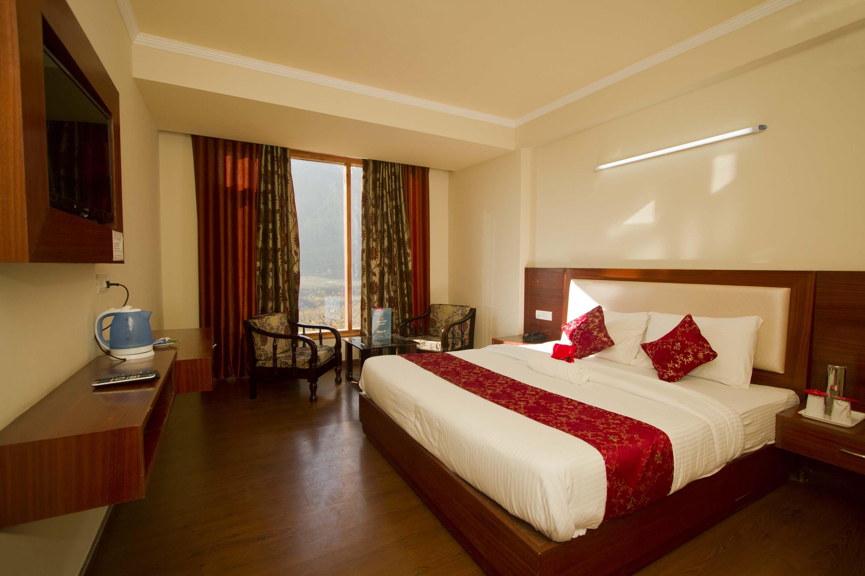 OYO 2943 Hotel Eco Groves