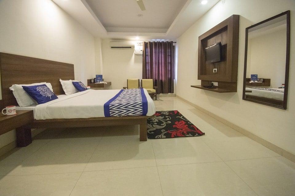 OYO 4093 Hotel Shantikamal