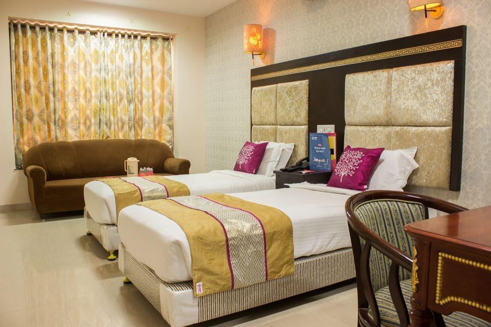Oyo rooms near around futala lake nagpur, book online @ixigo