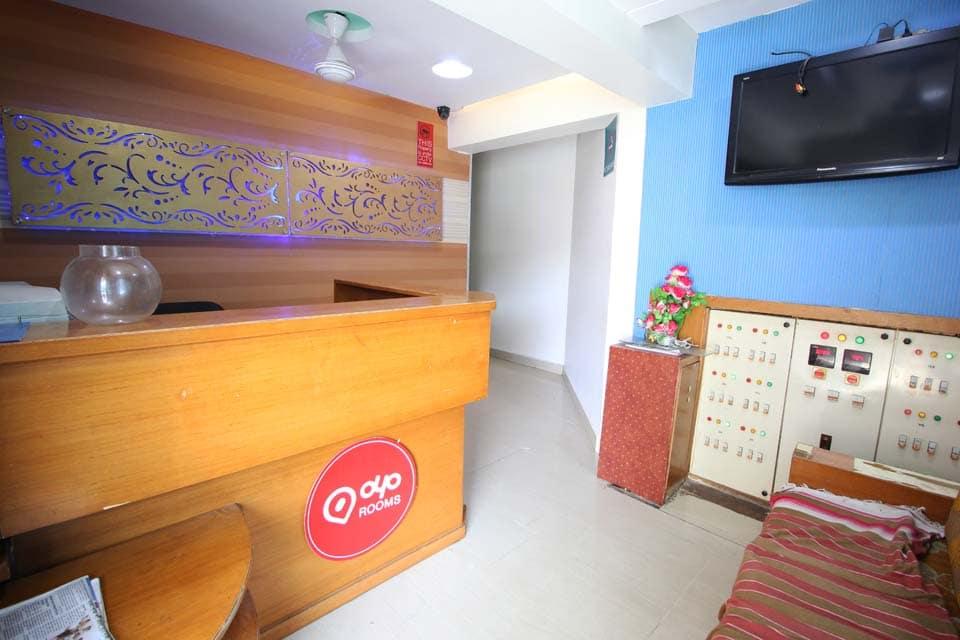 OYO 1966 Hotel Campus